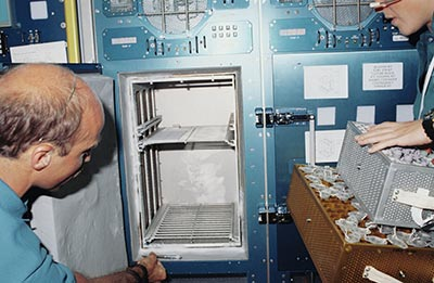 Problematic Refrigerator in the Spacelab Life Sciences on STS 40
